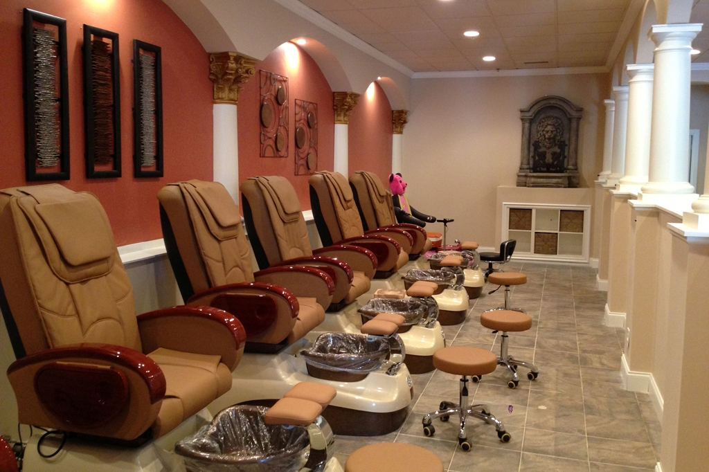 Salons and Spas near you