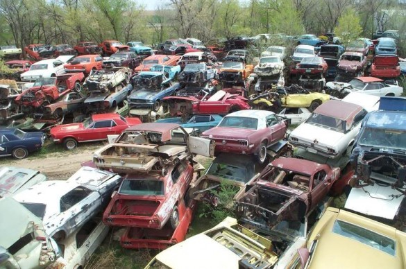 What are some salvage yards in Illinois?
