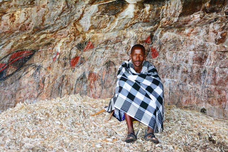 Masaai at the rock art Cave