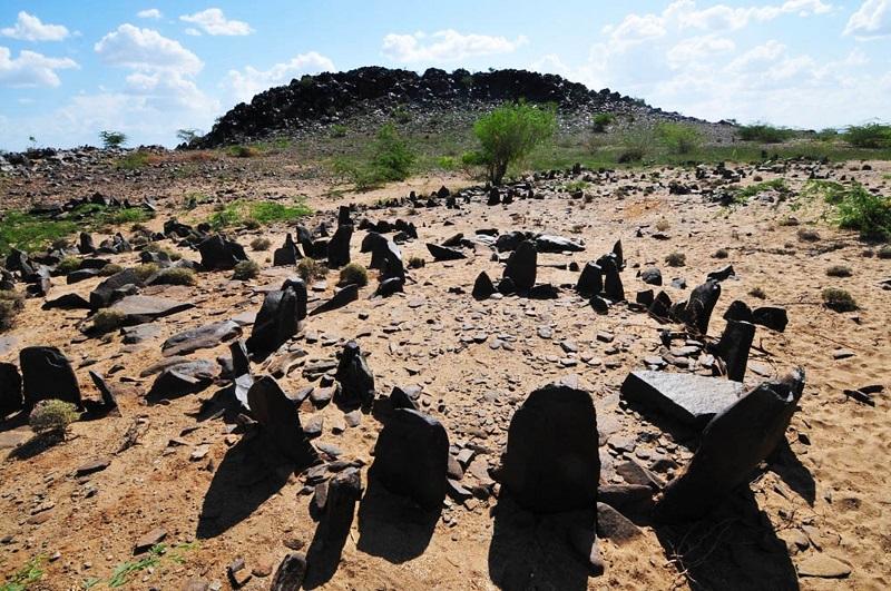 Grave circle, Lokori.