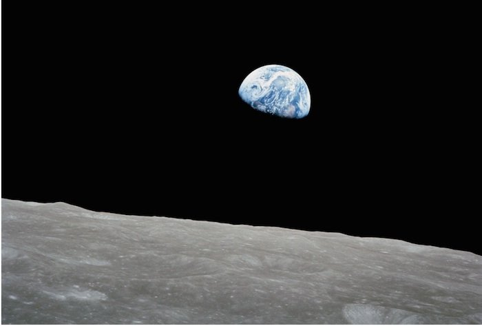 """AI-AP   Pro Photo Daily » State of the Art: Looking Back at """"Earthrise"""""""