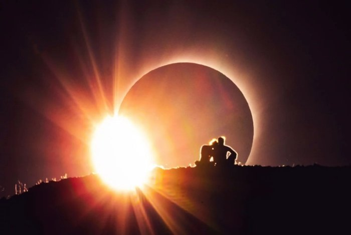 AI-AP | Motion Arts Pro » Trending: This Summer's Eclipse Led to Some Astonishing Filmmaking