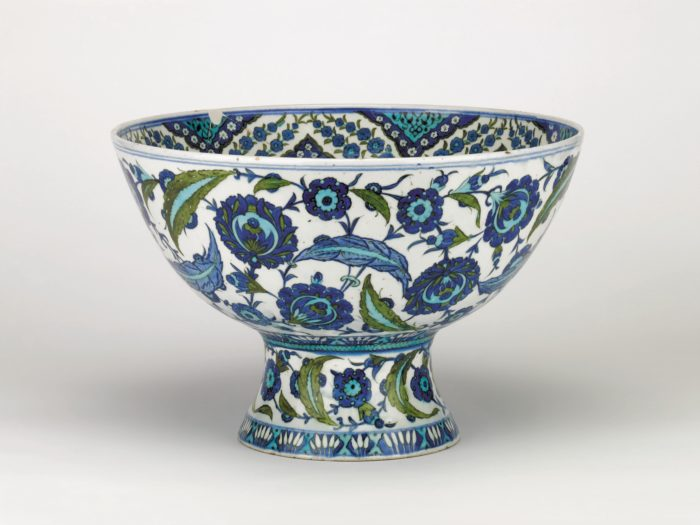An Iznik basin from the Ottoman dynasty made of painted and glazed stonepaste may have been used by the sultan himself (Image: The Trustees of the British Museum).