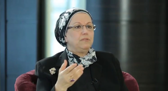 Souad al-Azzawi speaking on Iraqi TV channel Alrafidain, in 2017 (Photo: Youtube).