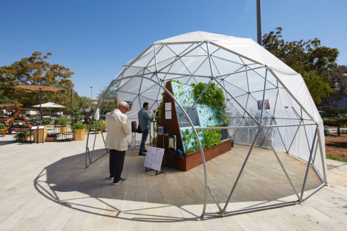 As part of the Future Food/Future City exhibition, the Green Hub demonstrated hydroponic and aquaponic technology. (Photo: Amman Design Week).