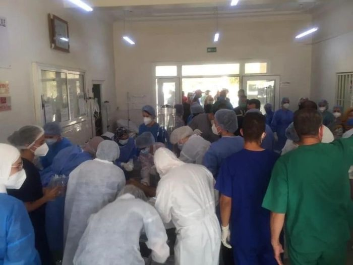 A medical team from the University of Algiers 1 Faculty of Medicine assisted doctors treating people injured by wildfires near Tizi Ouzou, in north central Algeria, in August. (Photo: Facebook)