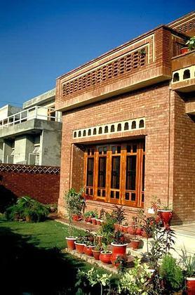 Karachi | Sajjad Kausar Residence | Archnet