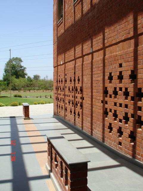 Nalanda International School Use Of Brick Jali In Screen