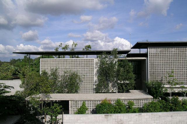 Safari Roof House External Vent Block Walls And Detached
