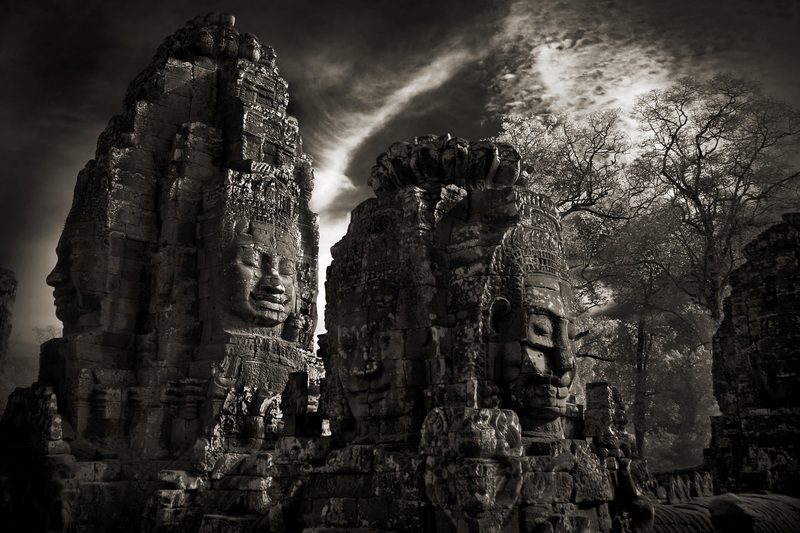 20140404081116-two_towers_thebayon