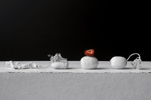 20160924174405-still_life_with_stone