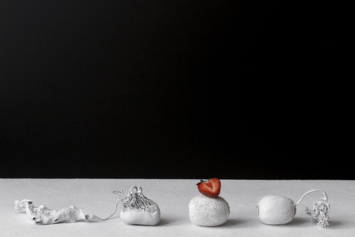 20160924174816-still_life_with_stone_below
