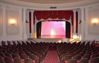20161018195531-theater