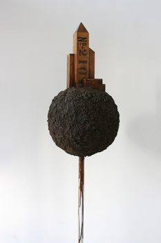 20170116204706-plantoid_210_architectural_sculpture_made_of_wood_soil_glue_on_metal_stand_by_artist_wayne_chisnall