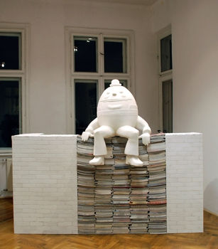 Kinga_dunikowski_humpty_dumpty_mixed_media_2008
