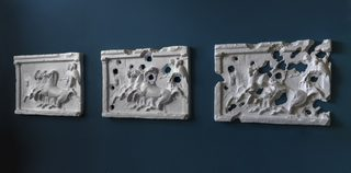 20170406150353-isis-bullet-hole-painting-four-horses-2016