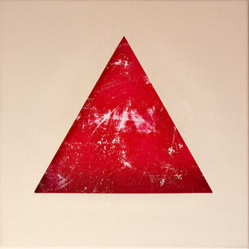 20170917131332-carmine_triangle_on_a_golden_relation_with_the_canvas