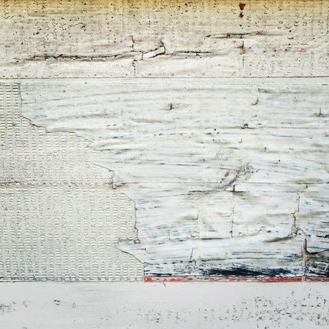 20171015185843-peeling_paint