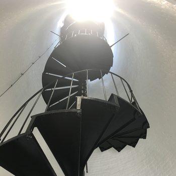 20171028033807-lighthouse