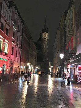 20171028044002-streets_of_krakow
