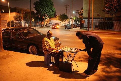 20171113005525-nocturnal_chessmen