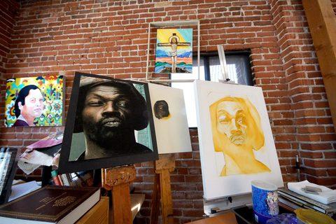 20171114021243-_art_works_studio_artists_mark_oil_and_photo_jade_l_5