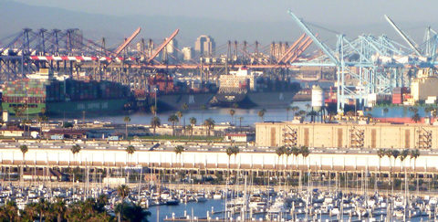 20171115035746-_pano_like_harbor-with_huge_ship_san_pedro