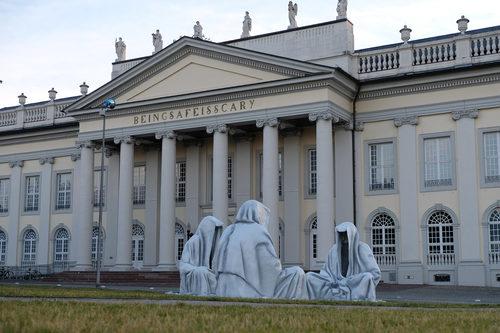 20171222134610-documenta-kassel-guardians-of-time-contemporary-art-sculpture-6827