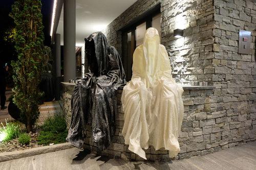 20171222134807-ferrari-ferrarimeeting-car-soelden-austria-guardians-of-time-manfred-kielnhofer-contemporary-fine-art-modern-arts-design-fineart-sculpture-statue-antic-artshow-3160