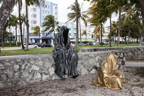 20171222135123-art-basel-miami-beach-fair-usa-florida-guardians-of-time-manfred-kili-kielnhofer-contemporary-fine-art-modern-arts-design-antiques-sculpture-5956