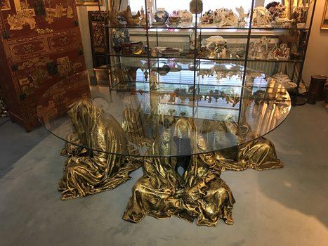 20171222135133-auction_ginhart_guardians_of_time_manfred_kili_kielnhofer_fine_art_modern_sculpture_statue_masterart_contemporary_arts_furniture_design_glass_table_3569