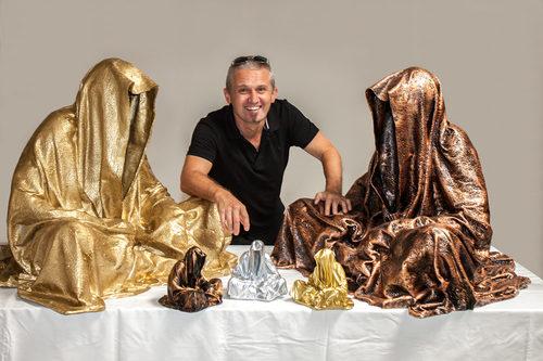 20171222135139-guardians-of-time-waechter-der-zeit-time-keepers-sculptor-manfred-kielnhofer-contemporary-fine-art-sculpture-statue-3d-shape-arts-design-2486y1