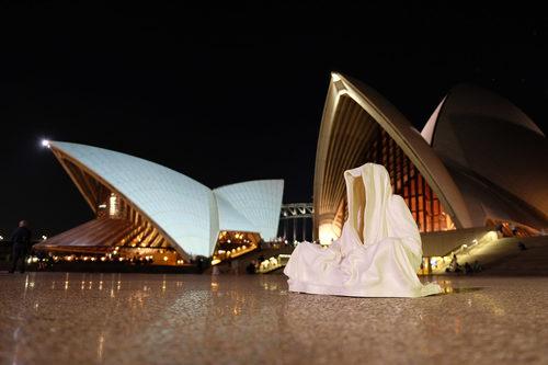 20171222140232-sydney-swell-sculpturefestival-australia-guardians-of-time-manfred-kielnhofer-contemporary-art-fine-arts-modern-statue-artfair-artshow-artevent-artmarket-faceless-art-on-the-beach-3054