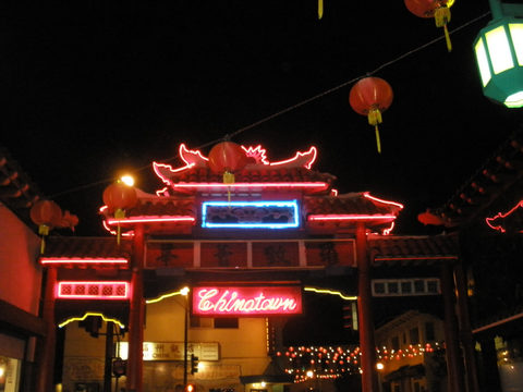 20171230183334-k_12_2010_neon_nite_lites_in_my_chinatown