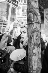 20190122224116-protest