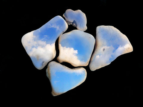 20190124063915-stone_sky_for_awifa