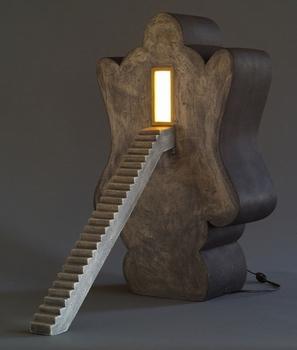 Head_of_buddha_with_stairs_27x17x26