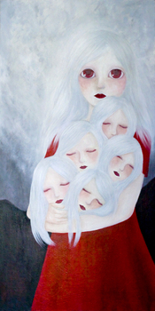 Albino_girl_holding_five_small_heads