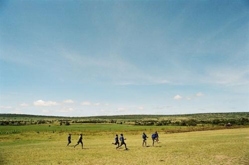 Boys_soccer_kenya_schoening__