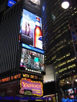 Times_square_news_flash