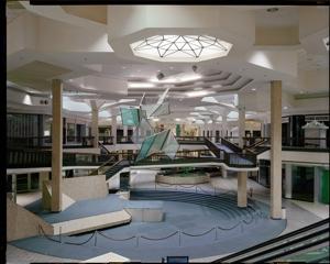 Randall_park_mall