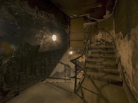Victor_burgin_bunker_stair