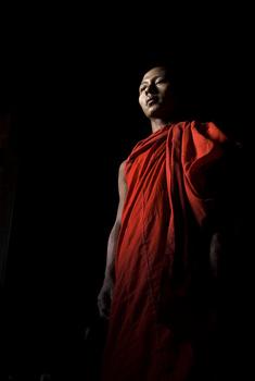 Sethbutler_myanmar_monk-portrait