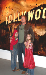 Img_0016_wilcox_w_daughters_sml
