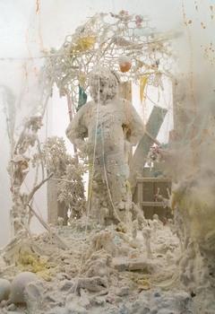 Beninati_untitled__vitrine_sculpture_with_small_figure__2007_1a