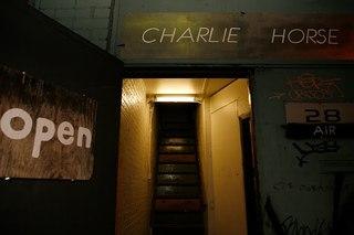 Charlie_horse_sign