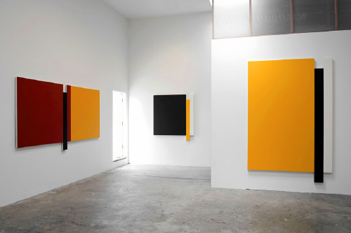 Scot_heywood_installation_view_left_to_right_untitled_red_blue__2342_119