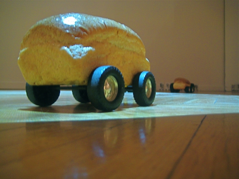 Bread_on_small_wheels_2