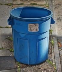 Blue_round_trashcan_9_x_8web