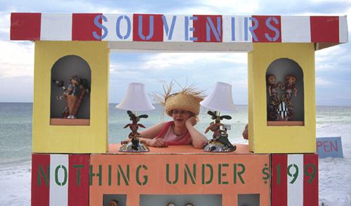 5_souvenirbude_am_strand_2005